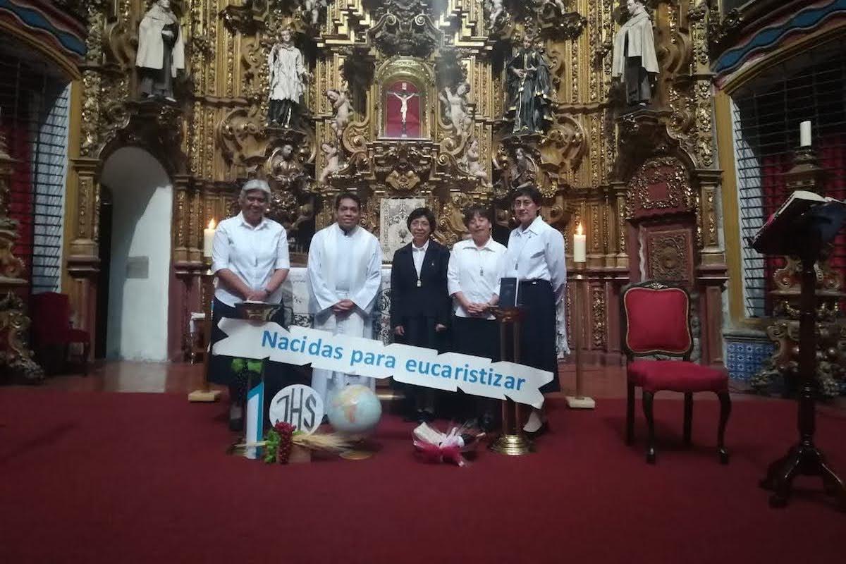 """El principal propósito de las Nazarenas es """"eucaristizar"""" a través de diversas actividades."""