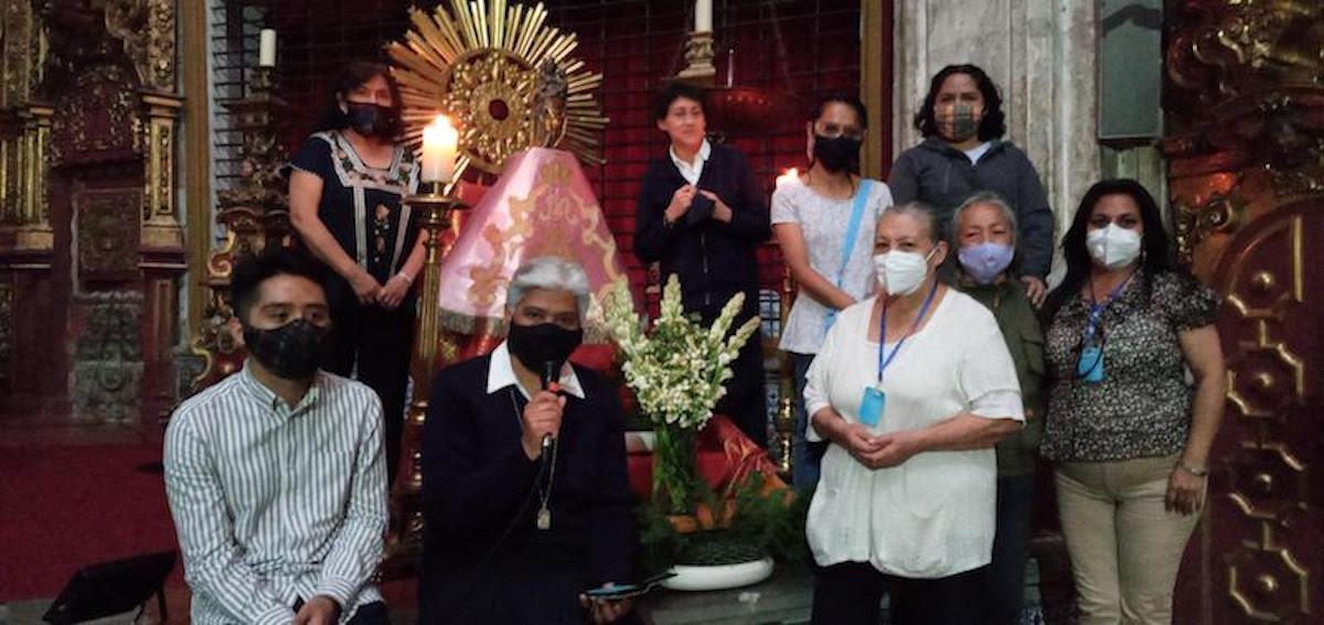 La hermana María Sirenia, superiora de las Nazarenas, asegura que en este tiempo han tenido que usar la creatividad pastoral.
