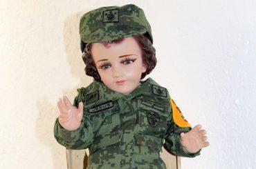 capellania-militar-que-hace-un-nino-dios-vestido-de-militar-en-una-iglesia-de-la-cdmx